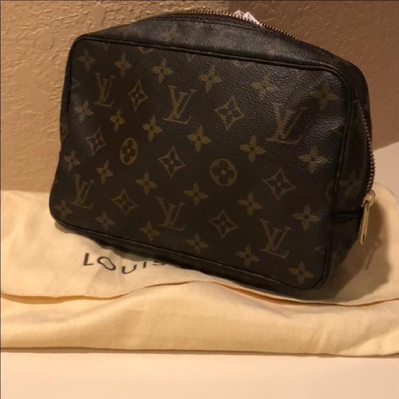 9044ba64c581 Louis Vuitton Handbags - Vintage Louis Vuitton Trousse 23